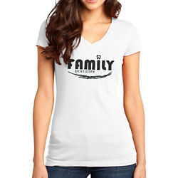 Customized District® Juniors Very Important Tee V-Neck -Wht